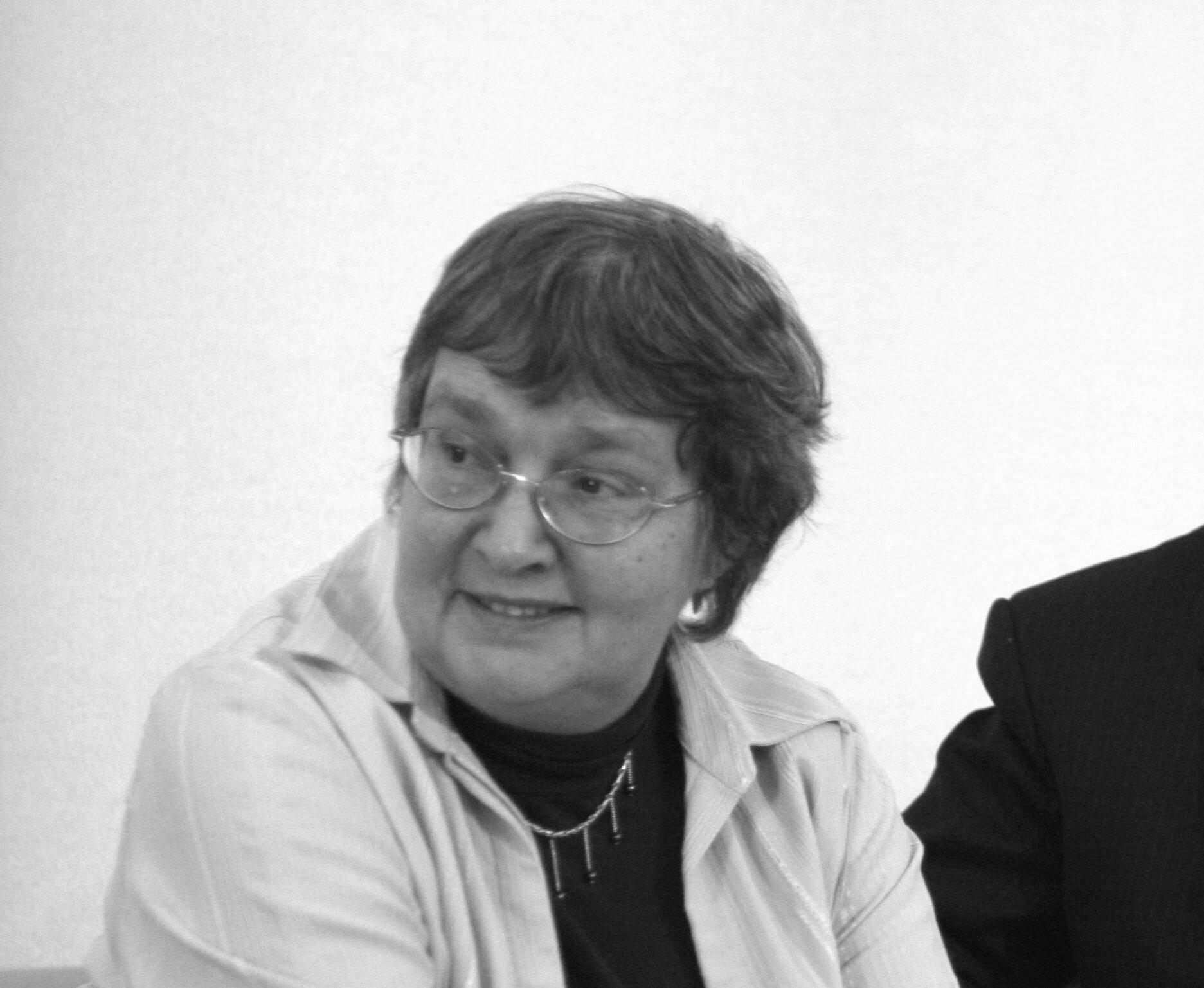 Olga Johann – warszawska radna Prawa i Sprawiedliwości. Była wiceprzewodniczącą rady miasta, walczyła między innymi o dekomunizację stołecznych nazw ulic. Zmarła 5 kwietnia 2017 r.